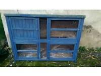Blue rabbit/guinea pig hutch in good standard