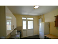 Spacious 2 Bedroom Ground floor flat to rent in Seven Kings, Including all bills