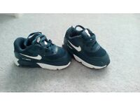 Infant Nike air max size 5.5. Hardly worn. Excellent condition