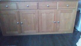 Oak sideboard, dovetail joints....solid 100% oak.