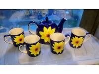Whittard 4 Sunflower Mugs and Teepot