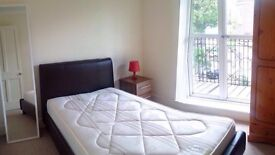Double room, private balcony, Queensway, Bayswater, Hyde Park, central London, Kensington