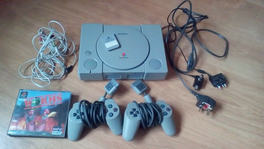 Playstation 1, 2 pads, 1 memory card, worms game and wires | in ...