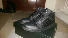 Air Jordan 1 Mid Triple Black Size 9 RRP £90