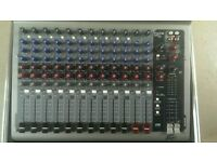 PaEAVEY PV14 MIXER WITH FLIGHT CASE