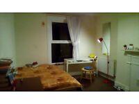 1 x double bed with Living room. NW10, Willesden Junction, Harlesden. All bills Inc.