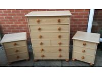Bedroom Set Chest 6 Drawers 2 Bedsides Solid and Heavy