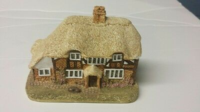 Lilliput Lane Honeysuckle Cottage Miniature Masterpieces Handmade in Cumbria UK
