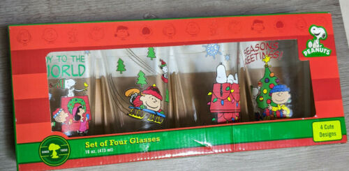 Peanuts Holiday Set of 4 Glasses Christmas Snoopy, Charlie Brown Lucy Linus 2013