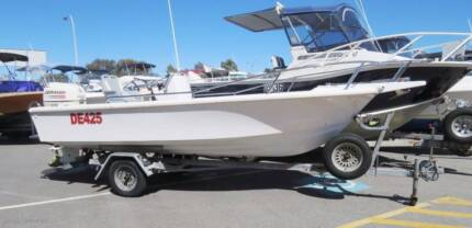 HAINES HUNTER CENTRE CONSOLE FISHING ***UNDER OFFER***