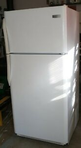 New white 18 cu ft fridge