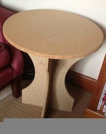 2x Occasional Round Tables