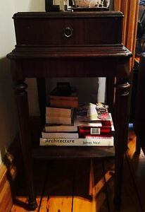 TABLE CONSOLE, MEUBLE ANTIQUE EXCELLENTE CONDITION