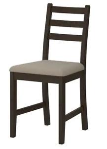 Table de cuisine avec chaises comme NEUF