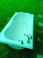 bathtub for sale with faucets