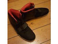 Nike black hi top trainers size 11 mens shoes