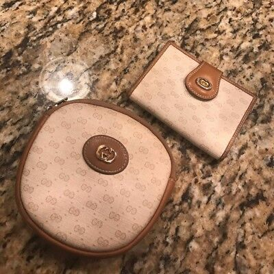Vintage Gucci card holder coin purse /cosmetic bag