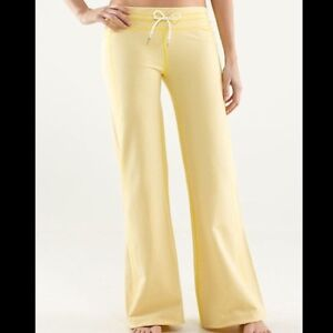 NEW-Lululemon Voyage Sweat or Yoga Pant Size 4 Yellow-with tags