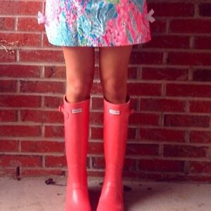 Brand New, Hunter Boots Size 7 - Coral