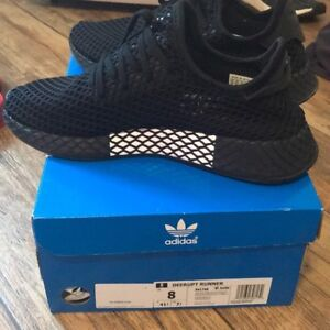 Deerupt all black