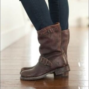 MUST GO - Frye Veronica Short Boots, 6
