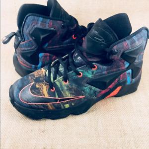 Nike Lebron Basketball Shoes Size 5.5Y=size 6.5
