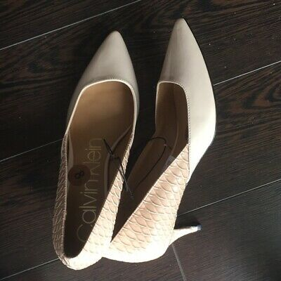 New Calvin Klein Blush Neutral Snake Patent & Gold Shoes  size 8.5