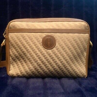 Vintage Gucci Bag excellent preowned condition logo g pattern