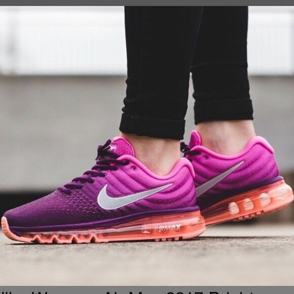 NIKE AIR MAX 2017 WOMEN NEW WITH BOX !!!