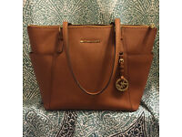 PAYPAL ACCEPTED,TAN MICHAEL KORS SAFFIANO TOTE BAG,BRAND NEW WITH MICHAEL KORS DUSTBAG.