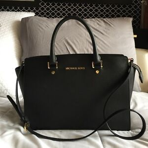Authentic Michael Kors MK selma large classic in black with stra