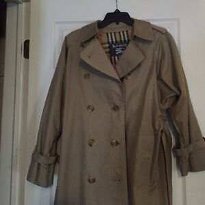 100%authentic Burberry trench coat