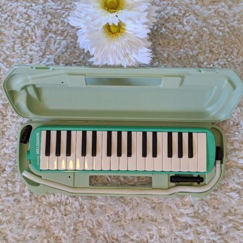Suzuki MX-32C Green Alto Melodian / Melodica w/ Case