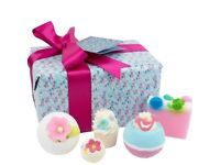 Brand new Bomb Cosmetics Gift Pack gift set Pocketful of Posies for Women