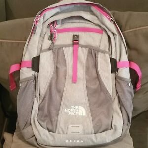 The  North Face -  Women's Recon Laptop Backpack / Dayback