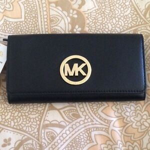 Lost wallet REWARD if you found it micheal kors