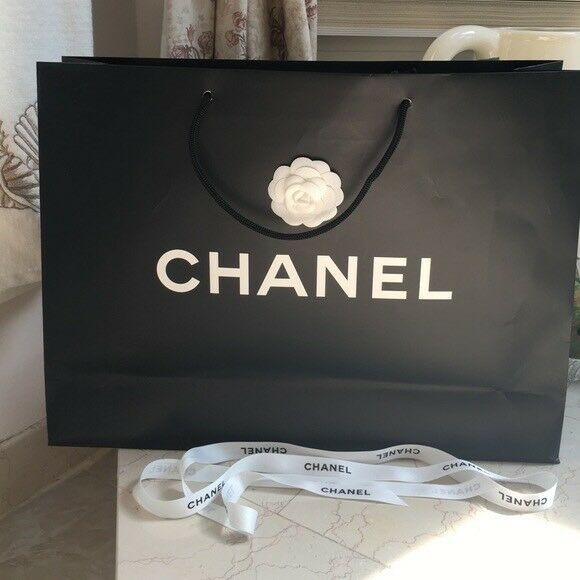 925c316f926e6e Large Chanel shopping/paper bag, no scratches | in Westminster ...