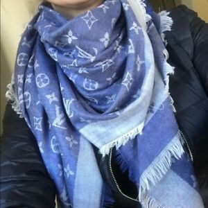 Brand new huge blue-white shawl in the package