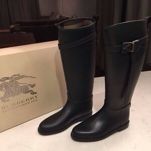 BRAND NEW AUTHENTIC BURBERRY EQUESTRIAN BOOTS - SIZE 8-8.5