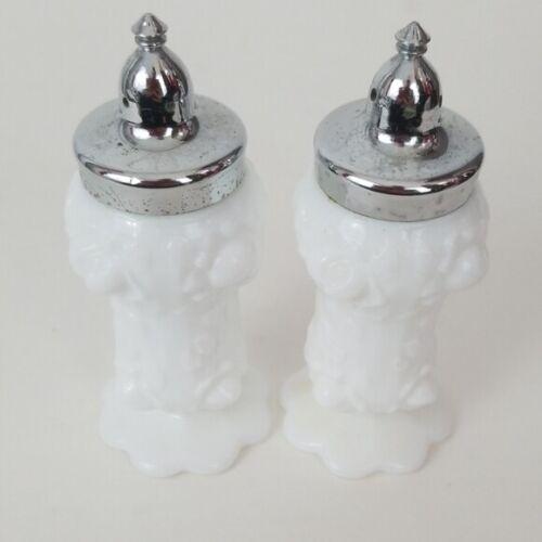 """Fenton White Milk Glass Cabbage Roses Salt & Pepper Shakers Set 4.5""""H"""