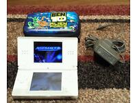 WHITE NINTENDO DS LITE IN GOOD CONDITION COMES WITH CHARGER & CASE WILL ALSO INCLUDE 2 GAMES