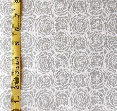 Fabric Jo Ann Quilt Blocks Laceflower  Gray White Rose  100  Cotton 1 25 Yds