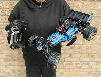 RADIO CONTROL RC REMOTE CAR/BUGGY VERY FAST  1:12th READY TO RUN WAVE RUNNER
