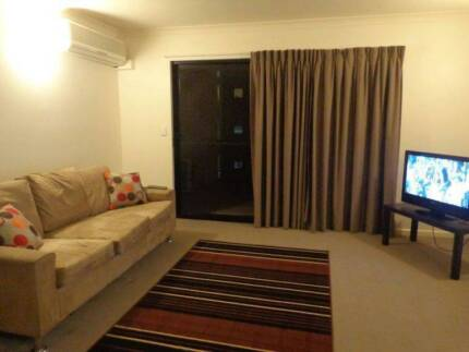 Share room with a girl Spring Hill Brisbane North East Preview