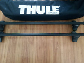 Thule Ranger 90 Foldable Roof Box & Universal Roof Bars ONLY USED ONCE