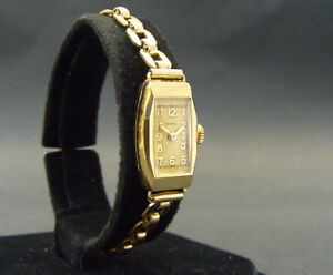 Very Rare Antique 1930's DOXA Womens Watch solid 18k gold