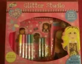 Glitter Studio 100 Piece Set - Brand New