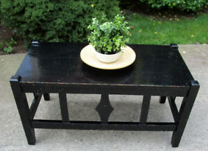 MISSION STYLE BLACK SHABBY CHIC/DISTRESSED COFFEE TABLE