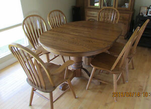 Dining Table, Chairs & Hutch