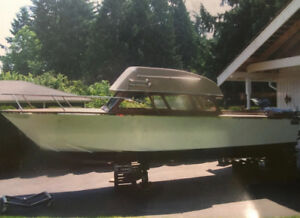 23' Handcrafted powerboat with 440 Chrysler Charger engine